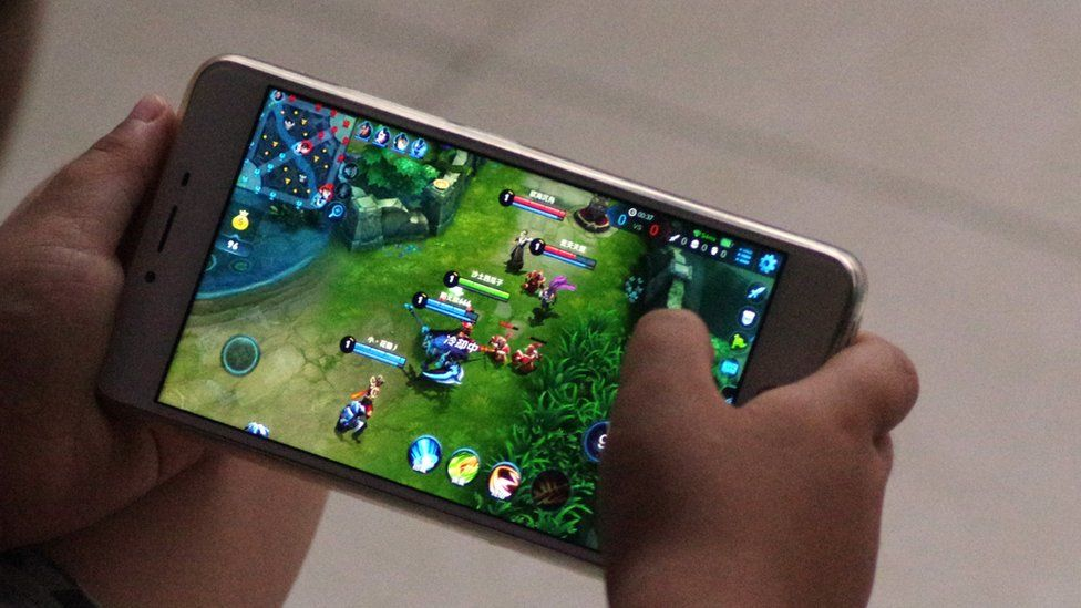 China slices youngsters' internet gaming to 60 minutes