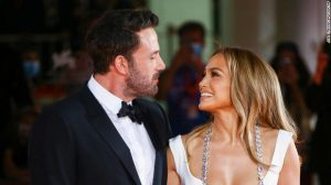 Jennifer Lopez and Ben Affleck return to honorary pathway together